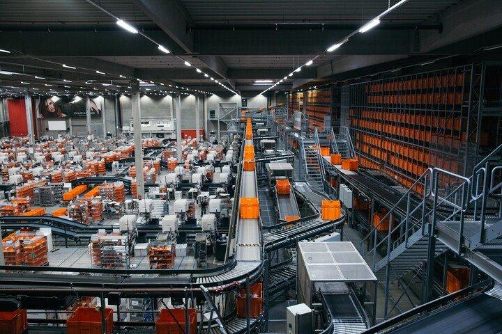 Zalando Logistics Süd SE & Co. KG